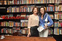 SAO PAULO, SP, 25 DE JUNHO 2012 – Jornalista Sonia Bridi lança seu livro Diario do Clima na Livraria da Vila no shopping Higienopolis na capital paulista nesta noite de segunda-feria. (FOTO: THAIS RIBEIRO / BRAZIL PHOTO PRESS).