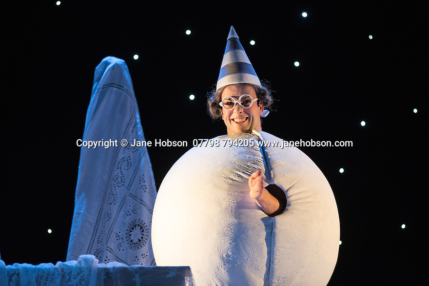 London, UK. 16.10.2014.  English Touring Opera presents LIFE ON THE MOON, by Joseph Haydn, directed by Cal McCrystal, with lighting design by Lee Curran and set & costume design by takis, at the Hackney Empire. Picture shows:  Ronan Busfield (Cecco). Photograph © Jane Hobson.