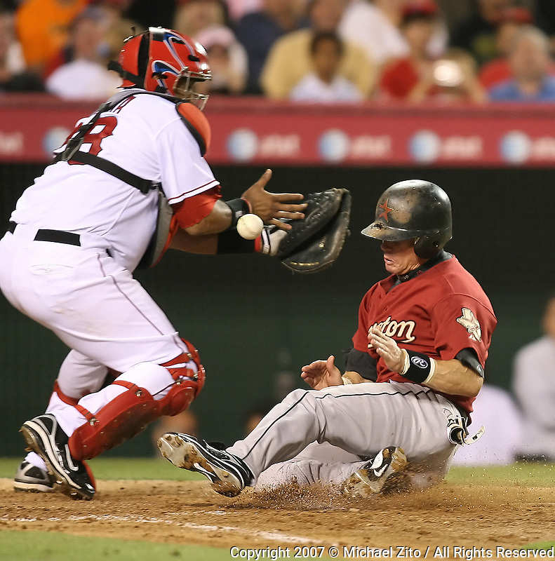 ANAHEIM, CA - JUNE 19: Infielder Craig Biggio #7 of the Houston Astros in action against the Los Angeles Angels at Angel Stadium in Anaheim, California. The Astros defeated the Angels 9-5.
