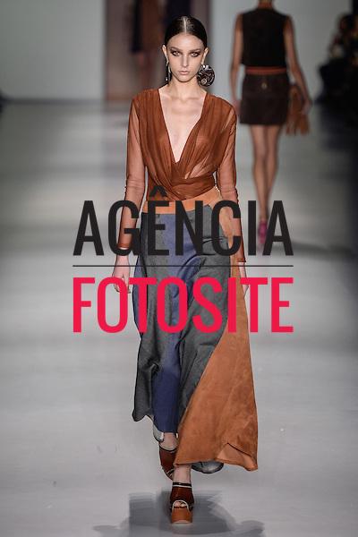 Lilly Sarti<br /> <br /> S&atilde;o Paulo Fashion Week- Ver&atilde;o 2016<br /> Abril/2015<br /> <br /> foto: Ze Takahashi/ Ag&ecirc;ncia Fotosite