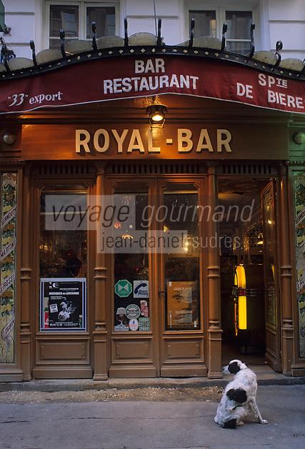 """Europe/France/Ile-de-France/Paris: """"BELLE-EPOQUE"""" - """"Royal Bar"""" 143 rue Saint-Denis<br /> PHOTO D'ARCHIVES // ARCHIVAL IMAGES<br /> FRANCE 1990"""
