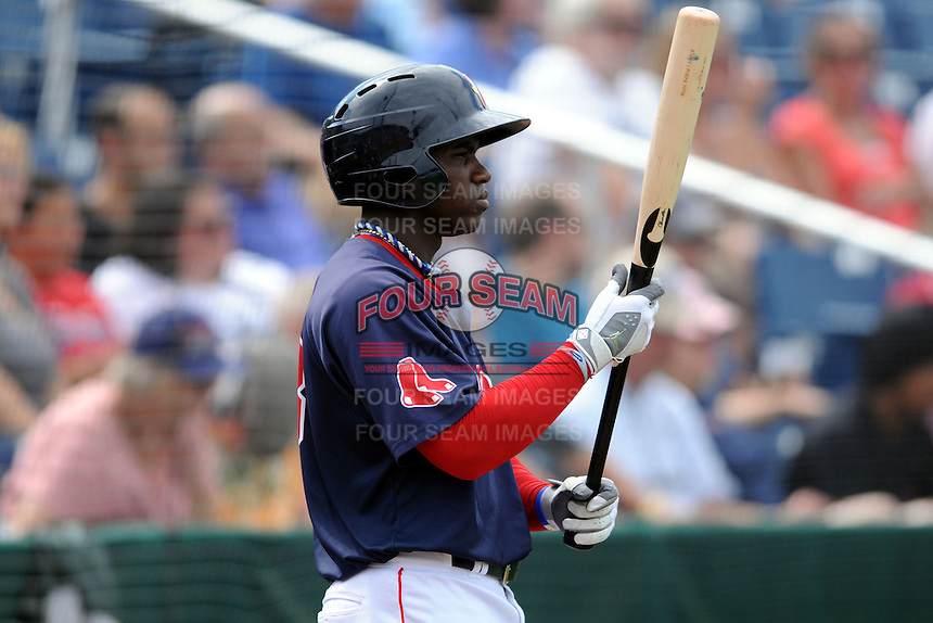 Portland Sea Dogs center fielder Rusney Castillo (18) during an Eastern League Semifinal Playoff game versus the Binghamton Mets at Hadlock Field in Portland, Maine on September 6, 2014.  (Ken Babbitt/Four Seam Images)