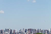 CURITIBA, PR, 24 DE AGOSTO DE 2012 – CLIMATEMPO – Desde o dia 31 de julho não chove na capital paranaense. Os índices de umidade relativa do ar não passam dos 40% desde o início do mês. De acordo com o Sistema Meteorológico do Paraná (Simepar) uma frente fria avança na altura do Uruguai hoje (24) com possibilidade de chuva no Estado. (FOTO: ROBERTO DZIURA JR./BRAZIL PHOTOS PRESS)