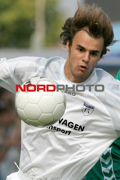 RLN 05 / 06 - 8. Spieltag<br /> <br /> Kickers Emden vs VFB Luebeck<br /> <br /> Falk Schindler / Emden<br /> <br /> <br /> Foto &copy; nordphoto <br /> <br /> <br /> <br />  *** Local Caption *** Foto ist honorarpflichtig! zzgl. gesetzl. MwSt.<br /> <br />  Belegexemplar erforderlich