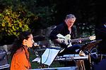 CARTE BLANCHE - RODOLPHE BURGER<br /> <br /> Chants d'amours, concert<br /> avec : Rodolphe Burger, Rachida Brakni et Julien Perreaudeau<br /> Texte : &quot;s'envolent les colombes&quot; de Mahmoud Darwich<br /> Date : 27/09/2014<br /> Lieu : Parc Jean Jacques Rousseau - Th&eacute;&acirc;tre de verdure<br /> Ville : Ermenonville