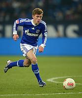FUSSBALL   1. BUNDESLIGA   SAISON 2012/2013    23. SPIELTAG FC Schalke 04 - Fortuna Duesseldorf                        23.02.2013 Max Meyer (FC Schalke 04)  Einzelaktion am Ball