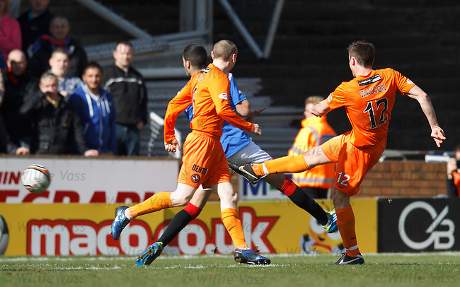 Keith Watson scores for Dundee Utd