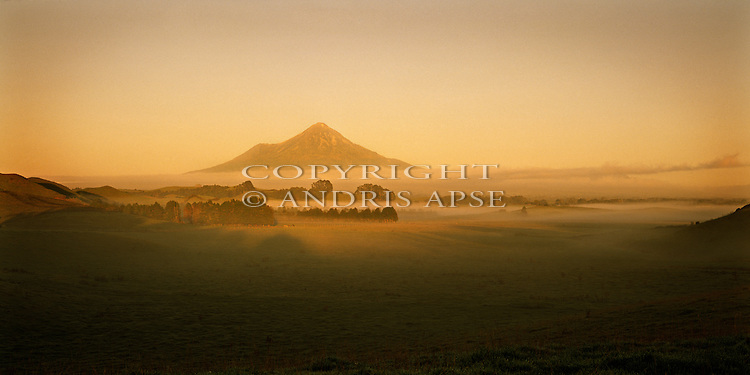 Sunrise on Mount Taranaki (Egmont). Taranaki Region. New Zealand