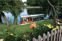 Maidenhead, United Kingdom. General view across the course from River Road, roses in full bloom. riversde garden. &quot;Thames Punting Club Regatta&quot;, Bray Reach.<br /> 09:24:50 Sunday  06/08/2017<br /> <br /> [Mandatory Credit. Peter SPURRIER Intersport Images}.<br /> <br /> LEICA Q (Typ 116) 28mm  f1.7   1/2000 /sec    100 ISO River Thames, .......... Summer, Sport, Sunny, Bright, Blue Skies, Skilful,