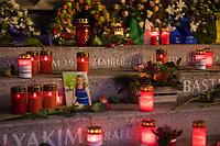 Gedenken am 2.Jahrestag des Terroranschlag durch den islamistischen Terroristen Anis Amri auf den Weihnachtsmarkt am Berliner Breitscheidplatz am 19. Dezember 2016.<br /> 19.12.2018, Berlin<br /> Copyright: Christian-Ditsch.de<br /> [Inhaltsveraendernde Manipulation des Fotos nur nach ausdruecklicher Genehmigung des Fotografen. Vereinbarungen ueber Abtretung von Persoenlichkeitsrechten/Model Release der abgebildeten Person/Personen liegen nicht vor. NO MODEL RELEASE! Nur fuer Redaktionelle Zwecke. Don't publish without copyright Christian-Ditsch.de, Veroeffentlichung nur mit Fotografennennung, sowie gegen Honorar, MwSt. und Beleg. Konto: I N G - D i B a, IBAN DE58500105175400192269, BIC INGDDEFFXXX, Kontakt: post@christian-ditsch.de<br /> Bei der Bearbeitung der Dateiinformationen darf die Urheberkennzeichnung in den EXIF- und  IPTC-Daten nicht entfernt werden, diese sind in digitalen Medien nach &sect;95c UrhG rechtlich geschuetzt. Der Urhebervermerk wird gemaess &sect;13 UrhG verlangt.]