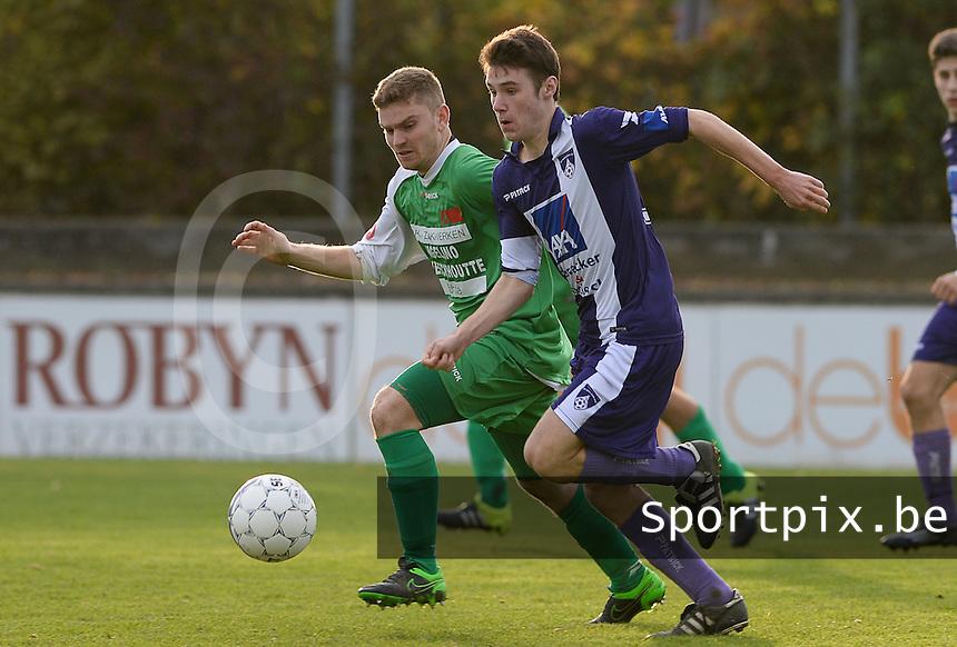SV Wevelgem City B - Groene Duivels Ingooigem : duel tussen Yari Van Hoof (r) en Glenn Vandenbroucke (links)<br /> Foto David Catry | VDB | Bart Vandenbroucke