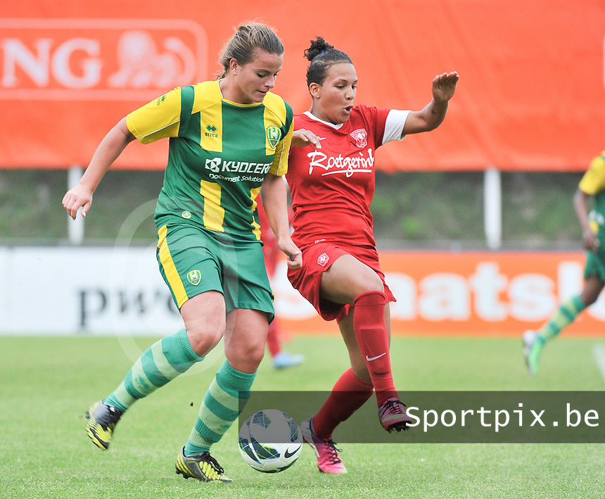 KNVB Beker Finale : ADO Den Haag - FC Twente : duel Kitty Susan (links) en Shanice van de Sanden (r)<br /> foto DAVID CATRY / Nikonpro.be