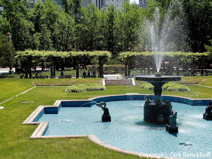 Springbrunnen im Palast Deoksugung in Seoul, S&uuml;dkorea, Asien<br /> fountain in palace Deoksugung, Seoul, South Korea, Asia