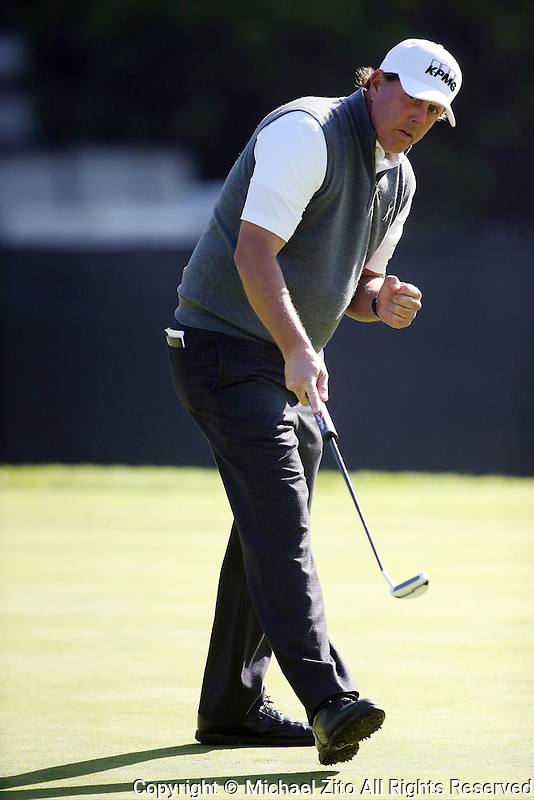 February 16, 2017: Phil Mickelson  during the first round of the 2017 Genesis Open played at Riviera Country Club in Pacific Palisades, CA. Michael Zito/ESW/CSM