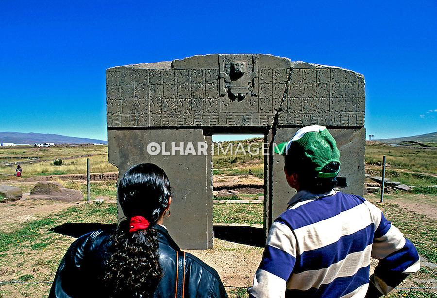 Porta do sol no sítio arqueológico deTiwanacu. Bolivia. 1997. Foto de Juca Martins.