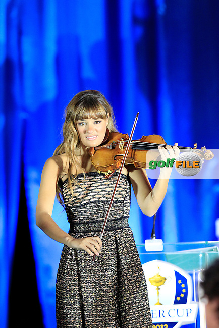 Violinist Nicola Benedetti plays on stage at the Closing Ceremony after Sunday's Singles Matches of the 39th Ryder Cup at Medinah Country Club, Chicago, Illinois 30th September 2012 (Photo Colum Watts/www.golffile.ie)
