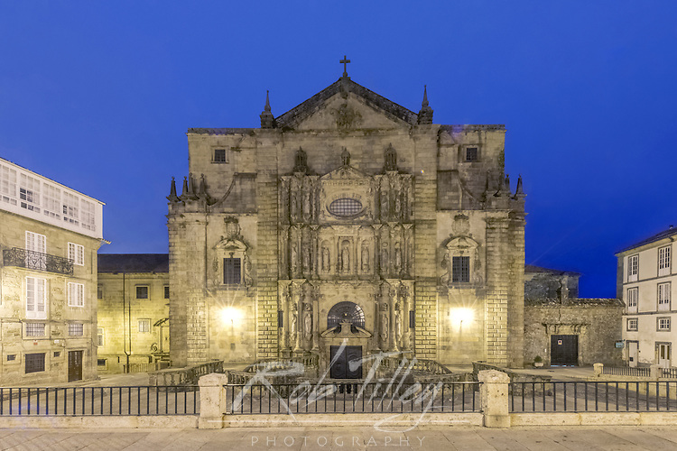 Spain, Satiago de Compostela, Monastery of San Martino Pinario Church at Dawn