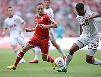 Fussball  1. Bundesliga  Saison 2013/2014  3. Spieltag FC Bayern Muenchen - 1. FC Nuernberg       24.08.2013 Franck Ribery (FC Bayern Muenchen) gegen Timothy Chandler (1. FC Nuernberg)