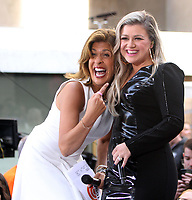 JUN 07 Kelly Clarkson performs at NBC's Today Show