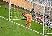 v. l. Lukas Hradecky (Bayer Leverkusen) enttaeuscht, enttaeuscht schauend, dissapointed Goal scored, erziehlt das Tor zum 0:3<br /> Fussball, Herren, Saison 2019/2020, 77. Finale um den DFB-Pokal in Berlin, Bayer 04 Leverkusen - FC Bayern München, 04.07. 2020, Foto: Matthias Koch/POOL/Marc Schueler/Sportpics.de