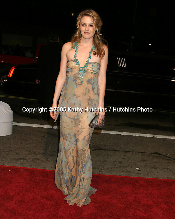 Alicia Silverstone.Beauty  Shop Premiere.Mann's National Theater.March 24, 2005.©2005 Kathy Hutchins / Hutchins Photo...