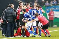 Football: Germany, 1. Bundesliga.FC Schalke 04 - FSV Mainz 05.Jermaine Jones (Schalke), Trainer Thomas Tuchel (Mainz), Eugen Polanski (Mainz).?Ǭ© pixathlon