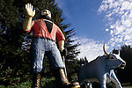 Trees of Mystery Paul Bunyab abd Babe the blue ox Northern California USA