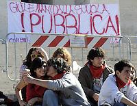 Roma, 18 Marzo 2009.La Sapienza..Studenti in corteo nell'università...Rome, 18 March 2009.University students in march..