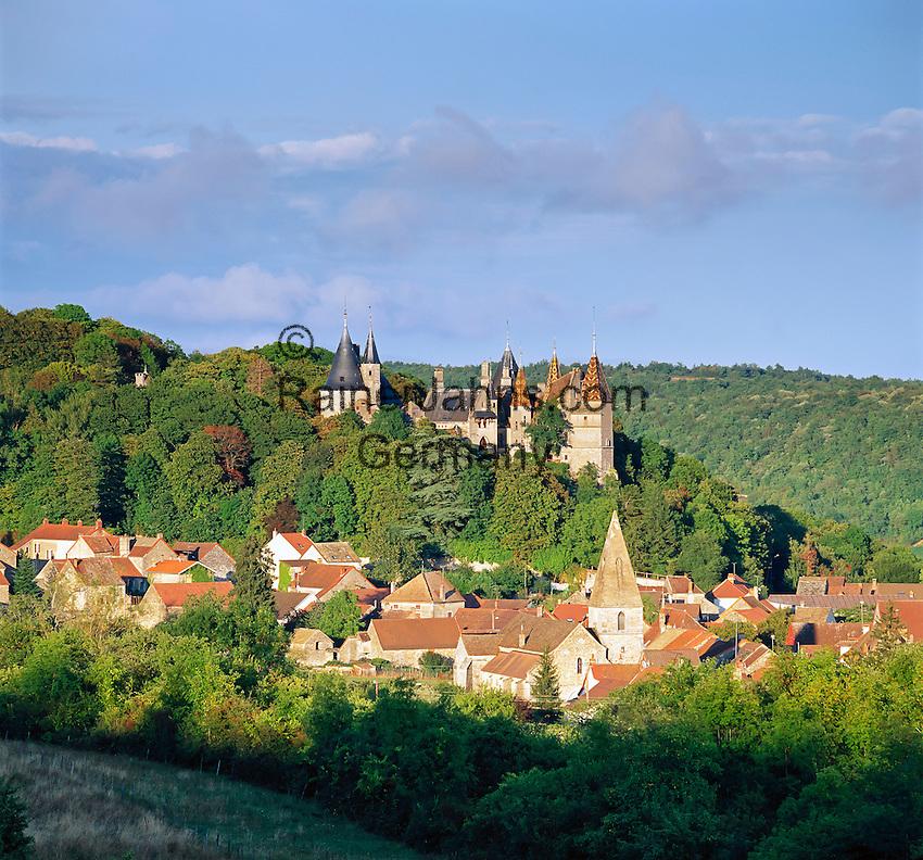 France, Burgundy, Côte d'Or, La Rochepot: Chateau de Rochepot   Frankreich, Burgund, Côte d'Or, La Rochepot: Chateau de Rochepot