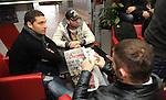 FUDBAL, BEOGRAD, 08. Dec. 2010. - Fudbaler Crvene zvezde Dusko Tosic. U Red cafe-u na zapadnoj strani Marakane  obelezavano je 19 godina od osvajanje titule sampiona sveta FK Crvena zvezda. Za tu priliku organizovanje je prigodan koktel koji je ujedno iskoriscen za promociju kalendara FK Crvena zvezda za 2011. godinu koji ce se odmah nakon promocije naci i u prodaji.. Foto: Nenad Negovanovic