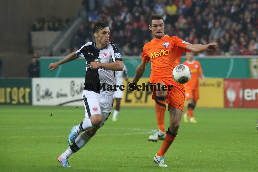 Marcel Maltritz (Bochum) gegen Vaclav Kadlec (Eintracht) - Eintracht Frankfurt vs. VfL Bochum, Commerzbank Arena, 2. Runde DFB-Pokal