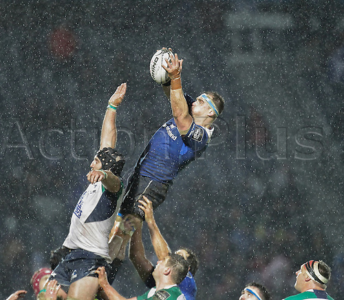 01.01.2016. RDS Arena, Dublin, Ireland. Guinness Pro 12 Leinster versus Connacht. Rhys Ruddock (c) of Leinster wins the line out.
