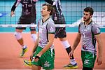 11.11.2017, Arena Kreis Dueren, Dueren<br />Volleyball, Bundesliga MŠnner / Maenner, Normalrunde, SWD powervolleys DŸren / Dueren vs. Netzhoppers Kšnigs / Koenigs Wusterhausen<br /><br />Paul Sprung (#14 Netzhoppers), Luke Thomas A. Herr (#1 Netzhoppers) enttŠuscht / enttaeuscht / traurig <br /><br />  Foto &copy; nordphoto / Kurth