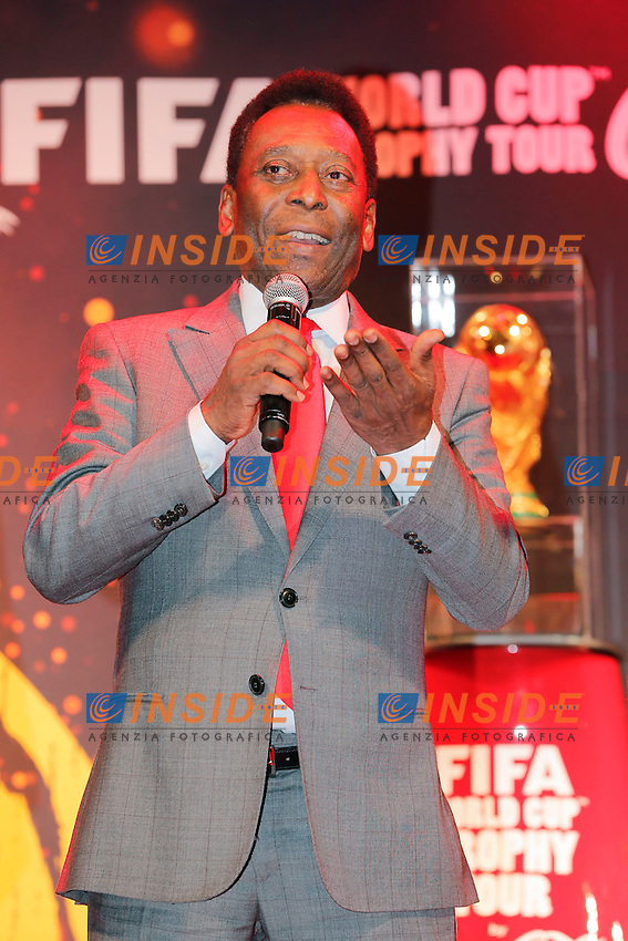 Edson Arantes do Nascimento, dit Pelé <br /> Parigi 10-03-2014 <br /> FIFA World Cup Trophy Tour <br /> Foto Panoramic / Insidefoto