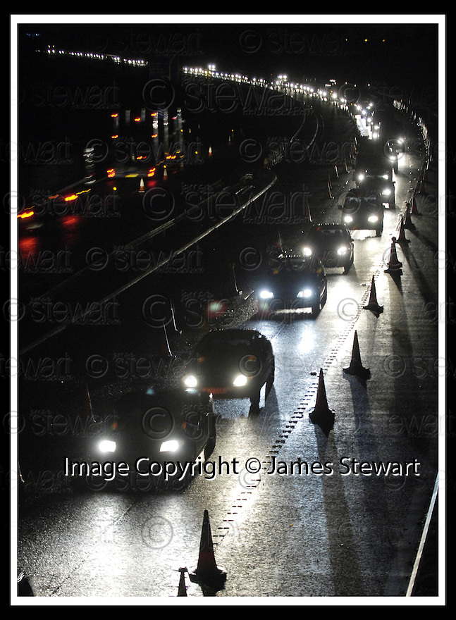 09/01/2008    Copyright Pic: James Stewart.File Name : sct_jspa02_m9_traffic.THE QUEUES ON THE M9 NEAR KINCARDINE BRIDGE CAUSED BY THE CLOSURE OF THE FORTH ROAD BRIDGE....James Stewart Photo Agency 19 Carronlea Drive, Falkirk. FK2 8DN      Vat Reg No. 607 6932 25.Office     : +44 (0)1324 570906     .Mobile   : +44 (0)7721 416997.Fax         : +44 (0)1324 570906.E-mail  :  jim@jspa.co.uk.If you require further information then contact Jim Stewart on any of the numbers above.........