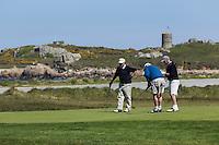 Royaume-Uni, îles Anglo-Normandes, île de Guernesey,Vale: parcours de golf entouré de tours Martello à l' Ancresse au nord de l' île - L'Ancresse Golf Club // United Kingdom, Channel Islands, Guernsey island, Vale: golf course surrounded by Martello towers in l' Ancresse in the north of the island - L'Ancresse Golf Club