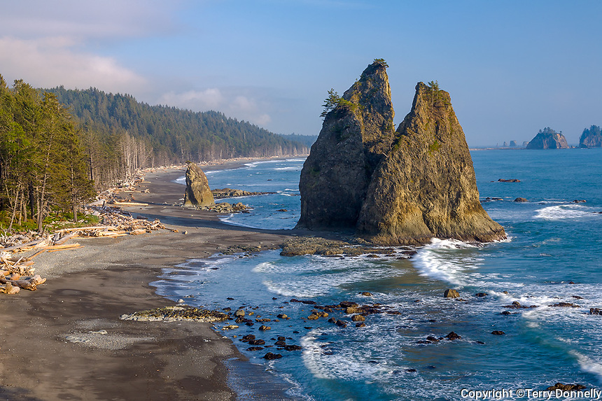 Olympic National Park, WA <br /> View of seastacks and the surf at Rialto Beach