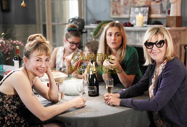 C'est quoi cette famille?! (2016) <br /> Julie Depardieu, Julie Gayet<br /> *Filmstill - Editorial Use Only*<br /> CAP/KFS<br /> Image supplied by Capital Pictures