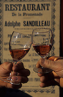 Europe/France/Centre/37/Indre-et-Loire/Azay-le-Rideau : Verres AOC Azay-le-Rideau rosé