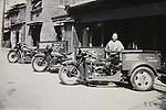 Harley-Davidson servi-car used for delivery of alcohol. In the 30s, H-D bikes have been actively adopted in various business scenes.