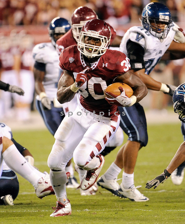 BERNARD PIERCE, of the Temple Owls  in action during the Owls game against the Villanova Wildcats on September 1, 2011 at Lincoln Financial Field in Philadelphia, PA. Temple beat Villanova 42-7.