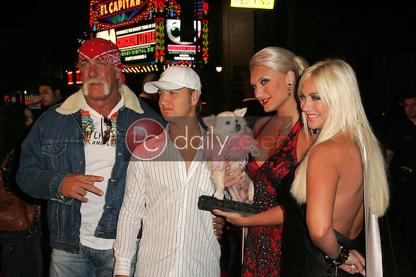 Hulk Hogan and family<br />