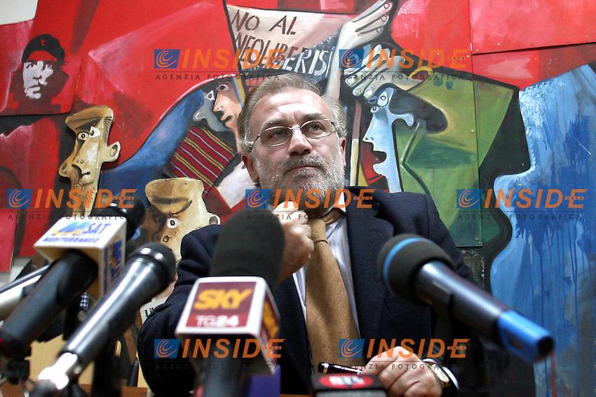 Roma, 27/11/2006 Conferenza stampa del segretario nazionale del Prc Franco Giordano a margine della direzione nazionale del partito.<br /> Photo Samantha Zucchi Inside (www.insidefoto.com)