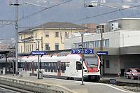 - linea ferroviaria Arcisate-Stabio, aperta dopo nove anni di lavori, collega direttamente la citt&agrave; di Varese e quella svizzera di Mendrisio, Lugano con l'aereoporto internazionale della Malpensa ed &egrave; parte del corridoio merci Europeo Genova - Rotterdam; stazione di Mendrisio<br /> <br /> - Arcisate-Stabio railway line, opened after nine years of work, directly connects the city of Varese and the Swiss city of Mendrisio, Lugano with the Malpensa international airport and is part of the European freight corridor Genoa - Rotterdam; Mendrisio station