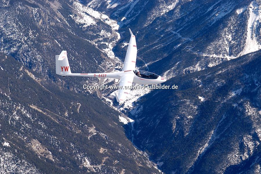 Segelflug, Segelflugzeug, ASW27 B,  Berge, Schnee, Alpen, Frankreich,  Seealpen, Gerhard Bender, YW