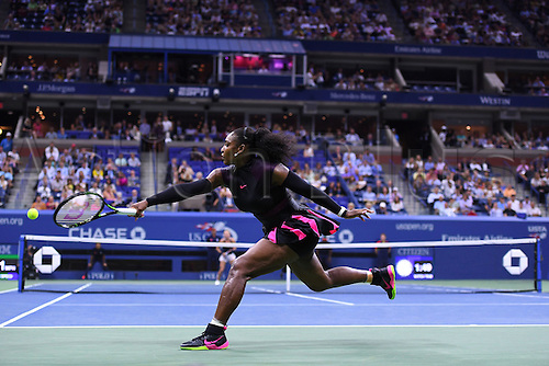 07.09.2016. Flushing Meadows, New York, USA. US Open Tennis Championships, womens singles quarter-final. Serena Williams (USA) plays Simona Halep (ROU) and wins in 3 sets