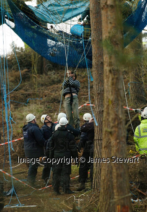 23/01/2006         Copyright Pic: James Stewart.File Name : sct_jspa22_dalkeith.A PROTESTER IS REMOVED FROM A TREE BY MEMBERS OF THE NATIONAL EVICTION TEAM AT DALKEITH PARK....Payments to :.James Stewart Photo Agency 19 Carronlea Drive, Falkirk. FK2 8DN      Vat Reg No. 607 6932 25.Office     : +44 (0)1324 570906     .Mobile   : +44 (0)7721 416997.Fax         : +44 (0)1324 570906.E-mail  :  jim@jspa.co.uk.If you require further information then contact Jim Stewart on any of the numbers above.........