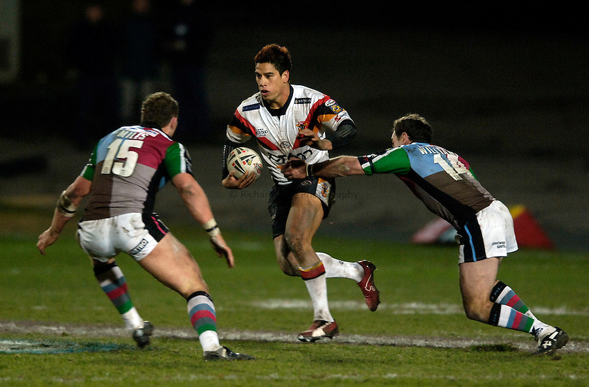 Photo: Jed Wee..Bradford Bulls v Harlequins RL. Engage Super League. 18/02/2006..Bradford's Shontayne Hape.