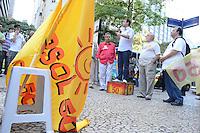RIO DE JANEIRO, RJ, 20 JULHO 2012 - ELEICOES 2012 - MARCELO FREIXO - Marcelo Freixo, candidato a Prefeito do rio pelo PSOL, encontra com eleitores na tarde desta sexta dia 20 no centro do Rio.Foto:Marcelo Fonseca-Brazil Photo Press