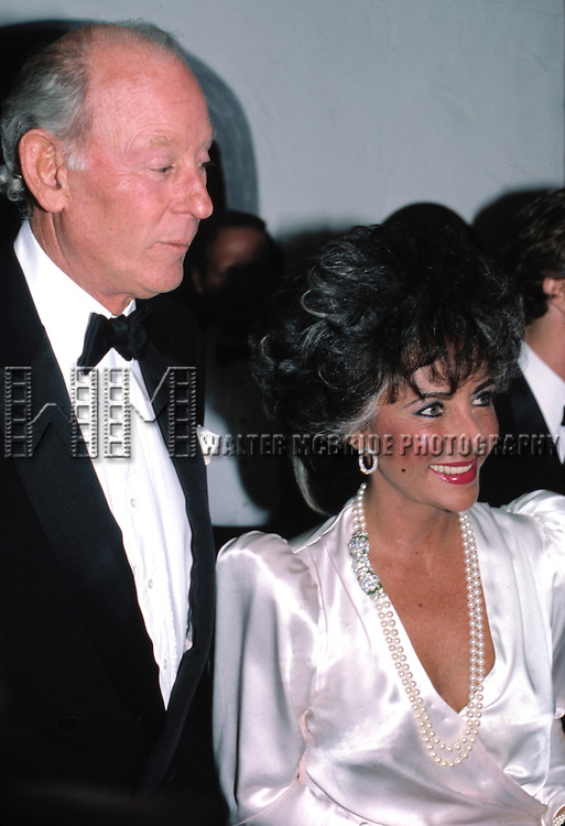 Elizabeth Taylor & Gordon White.Having Dinner at Rene PuJol Restaurant in .New York City.